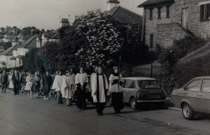Procession to St Francis. I believe I see a couple of Cliff boys, Tony Lee Pollitt and Rev Lunn. But what was the occasion?